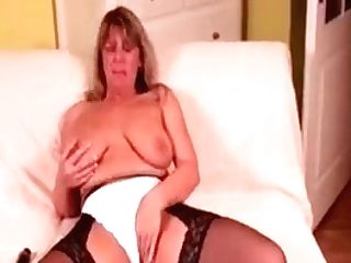 Blonde Sexy Matures Working Her Cunt With A Hitachi