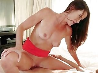 Determined Sofie Marie Gets The Satisfying Bang She Craved