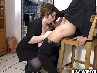 Youthfull Mom Anya Rail Weenie Hot Touching Stepson