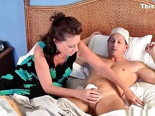 Margo Sullivan Mom Takes Off Son-in-law's Circumcision Bandage