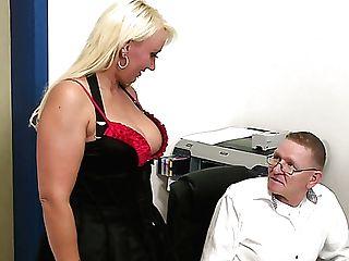 Nerdy Medic Examines Bald Meaty Vulva Of Kitty Wilder Rear End Style