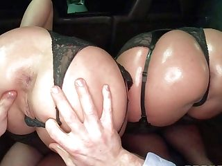 Jada Stevens And Sheena Shaw Are Tow Ladies With Bubble
