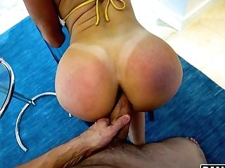 Fantastic Cougar With Gorgeous Big Bubble Donk Kendra Passion Is Poked From Behind