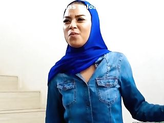 Mike Mancini And Maya Bijou In Two Studs Dual Penetrate A Beautiful Cutie In Hijab