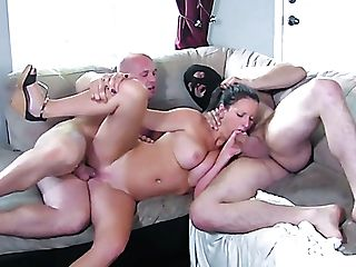 Versatile Buxom Hoe Peaches Gold Lets Two Dudes Fuck Her Decently
