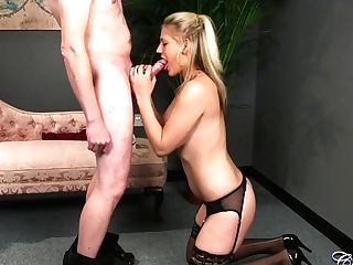 Horny Mummy Bobbie Jay Deep-throats Pecker And Gets Facial Cumshot