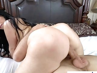Hot Breasty Honey Ryan Smiles Porno Clip