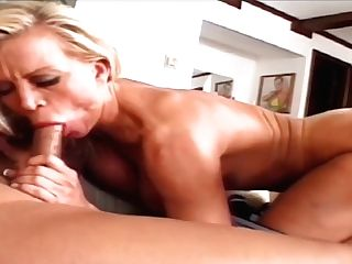 Step Sisters Agree To Share Step Daddys Meatpipe - Nasty Old-school Threesome