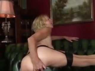 Ideal Cougar Molly Maracas Gives Hand Jobs Hot Hot Step-son-in-law