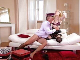 Amber Jayne - Super-naughty Mom's Boot Obsession